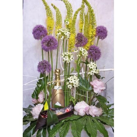 Centro de flores con champan